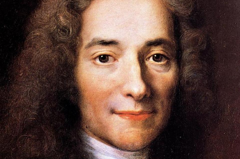 323 de ani de la nașterea lui Voltaire