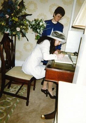 prima semnatura Ana Birchall
