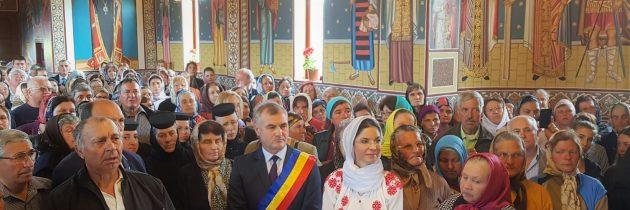 """Sfinţirea bisericii cu hramurile """"Sfinţii Împăraţi Constantin şi Elena"""" şi """"Sfântul Mucenic Gheorghe"""" din satul Grăjdeni"""