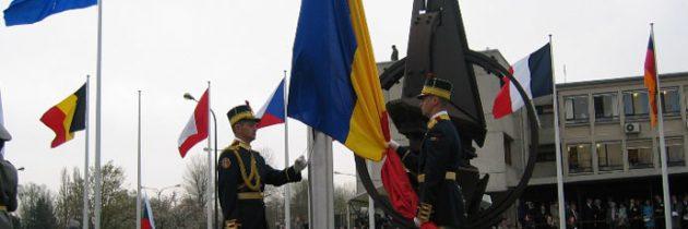 29 martie – România devine membru cu drepturi depline a NATO