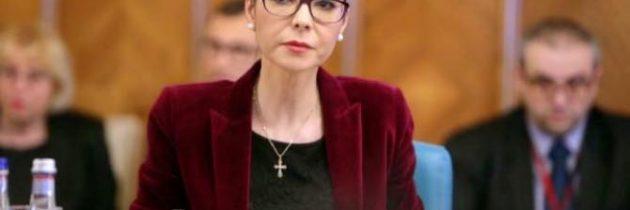 Doamna candidat Dăncilă, nu ar fi mai bine să le spuneți dvs. românilor dacă ați avut sau nu discuții cu mine pe următoarele probleme din justiție?